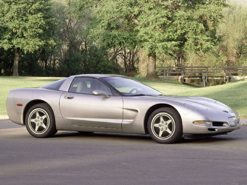 2000 chevrolet corvette specs pictures trims colors. Black Bedroom Furniture Sets. Home Design Ideas