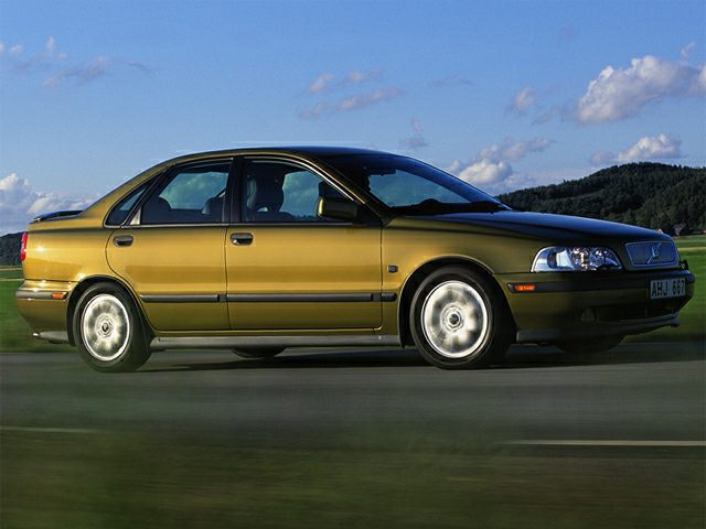 2000 Volvo S40 Sedan for sale in Woodbridge for $3,200 with 79,844 miles.