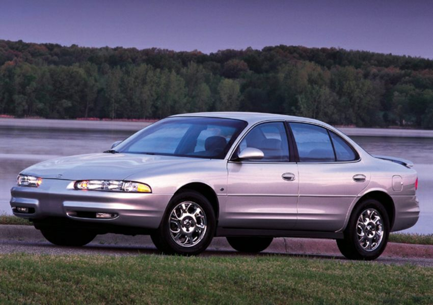 2001 oldsmobile intrigue reviews specs and prices. Black Bedroom Furniture Sets. Home Design Ideas