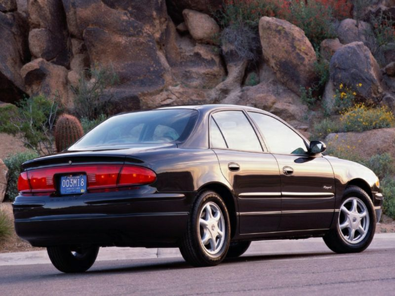 2002 buick regal reviews specs and prices. Black Bedroom Furniture Sets. Home Design Ideas