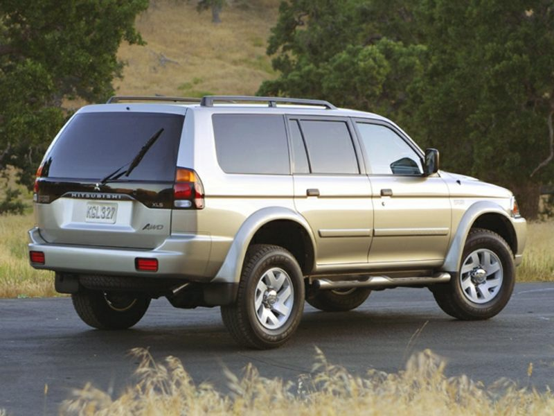 2002 mitsubishi montero sport reviews specs and prices. Black Bedroom Furniture Sets. Home Design Ideas