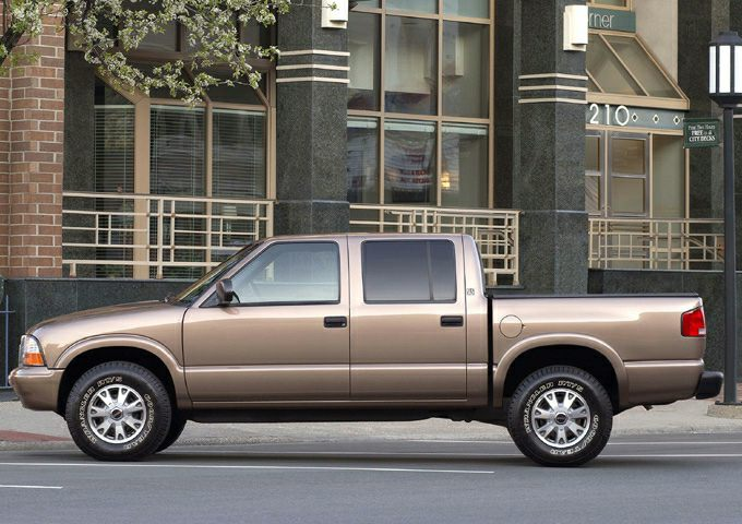 2004 GMC Sonoma SLS Crew Cab Pickup for sale in Lewisburg for $9,995 with 151,524 miles.