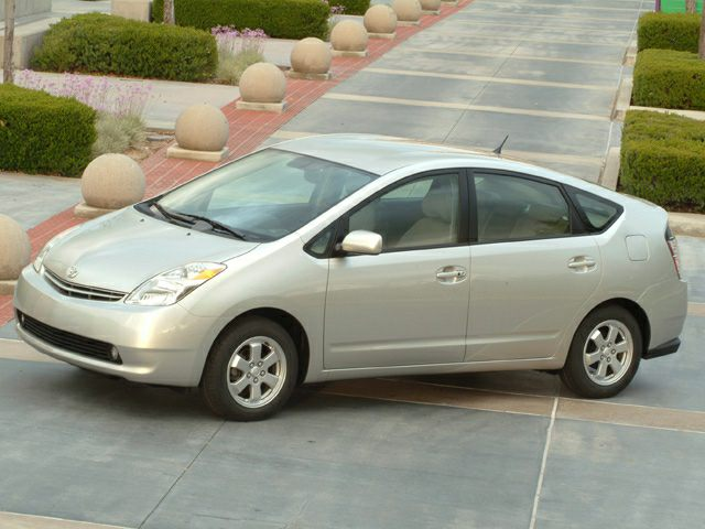 2004 Toyota Prius Hatchback for sale in Aurora for $7,599 with 119,818 miles