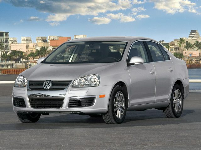 2005 Volkswagen Jetta 2.5 Sedan for sale in San Antonio for $3,900 with 150,000 miles.