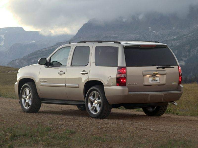 2014 chevrolet tahoe reviews specs and prices. Black Bedroom Furniture Sets. Home Design Ideas