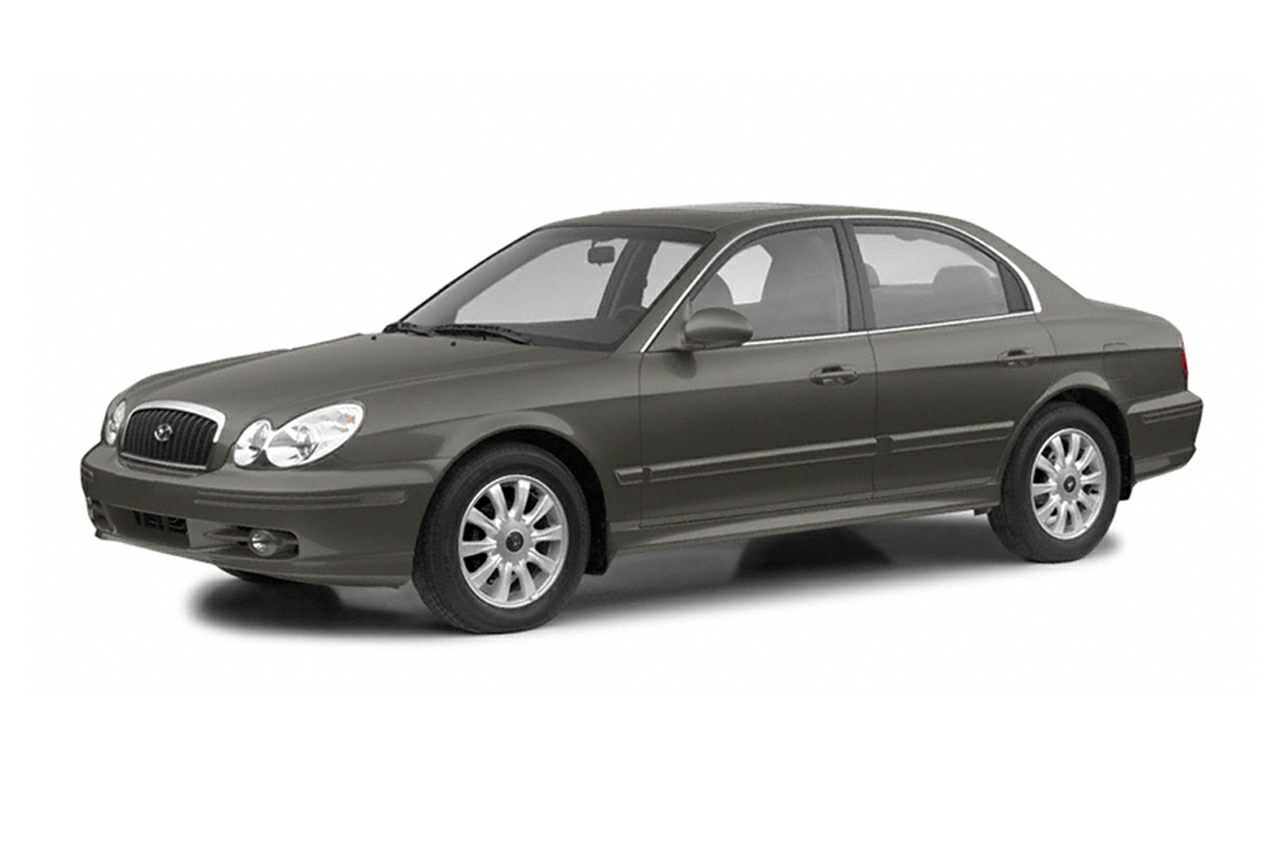 2004 Hyundai Sonata Sedan for sale in Show Low for $3,151 with 197,896 miles.