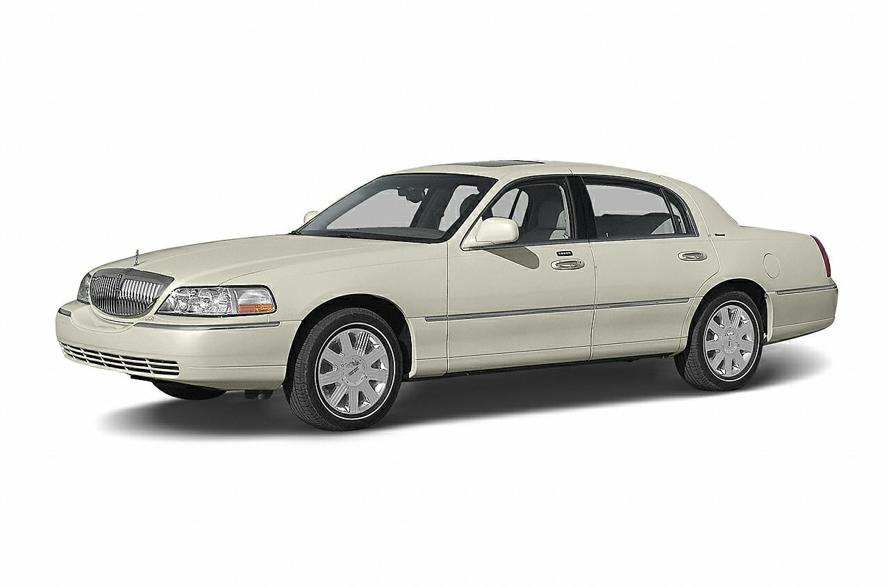2004 Lincoln Town Car Sedan for sale in Canton for $9,990 with 73,561 miles.