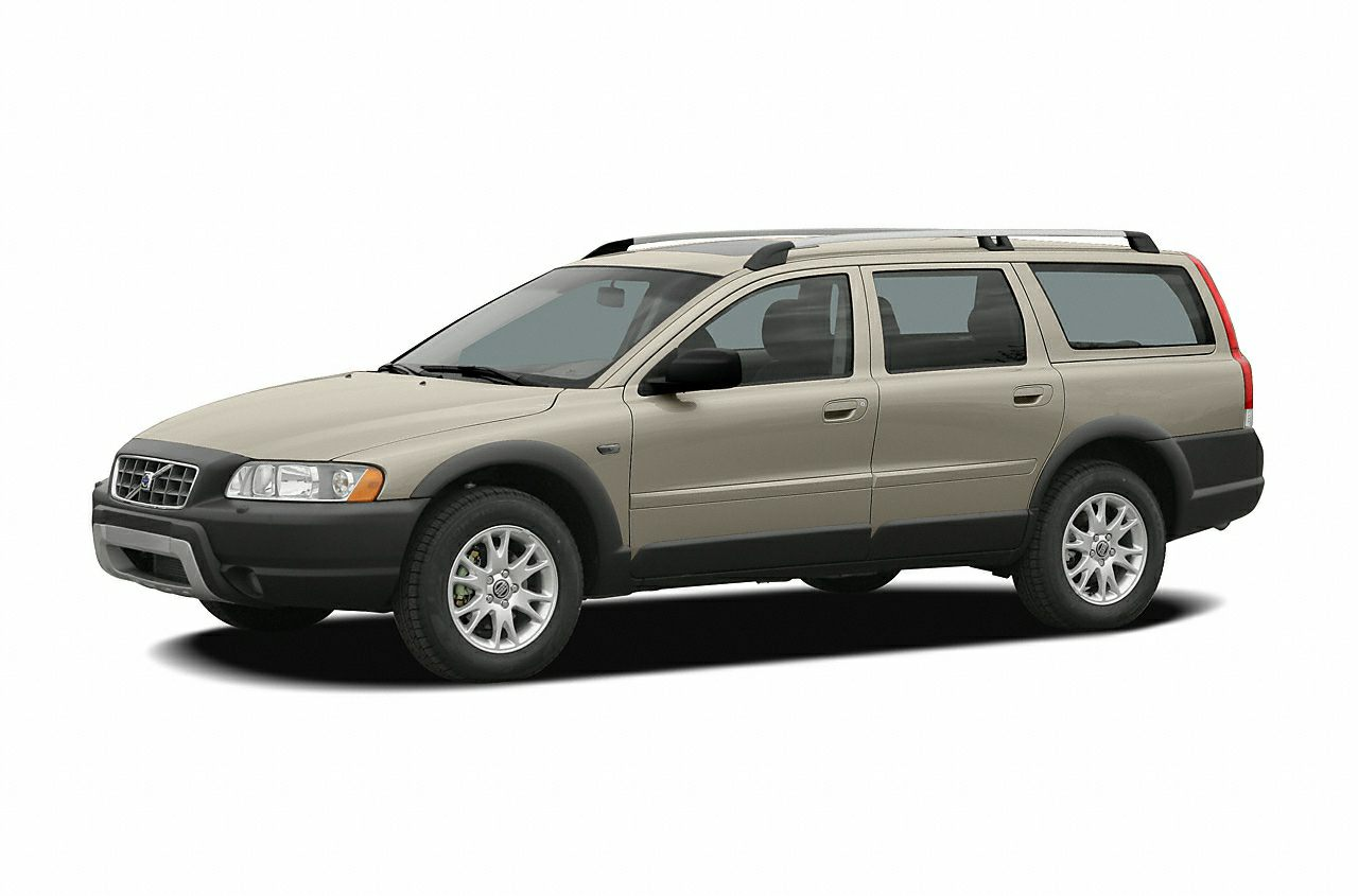 2005 Volvo XC70 2.5T Wagon for sale in Bettendorf for $9,695 with 117,852 miles