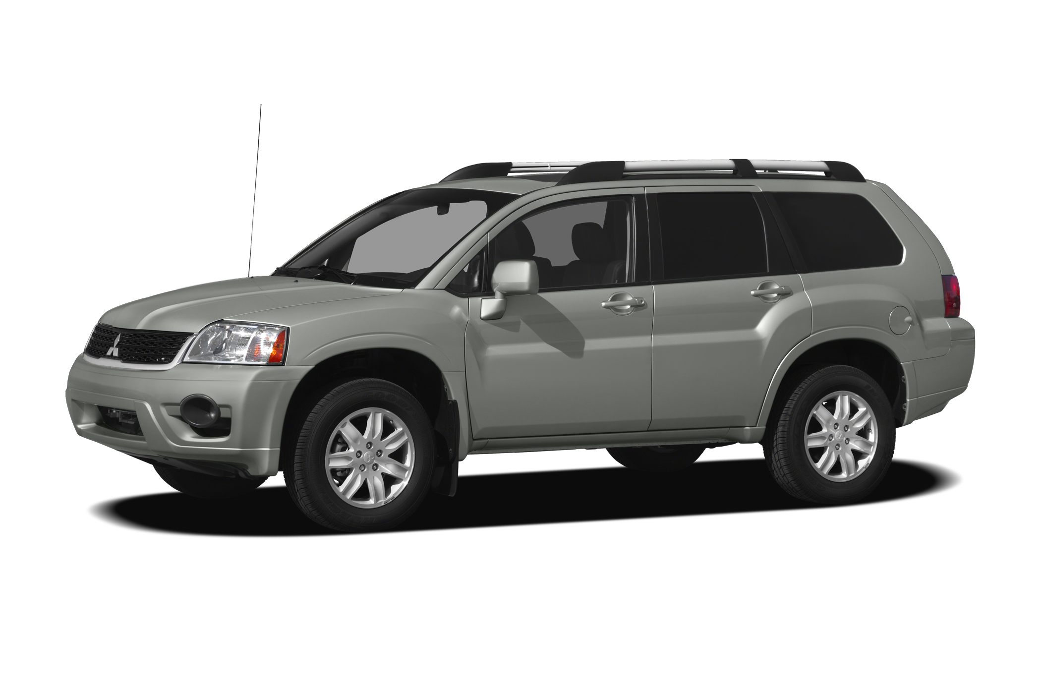 2010 Mitsubishi Endeavor SE SUV for sale in Cleveland for $12,970 with 62,925 miles.