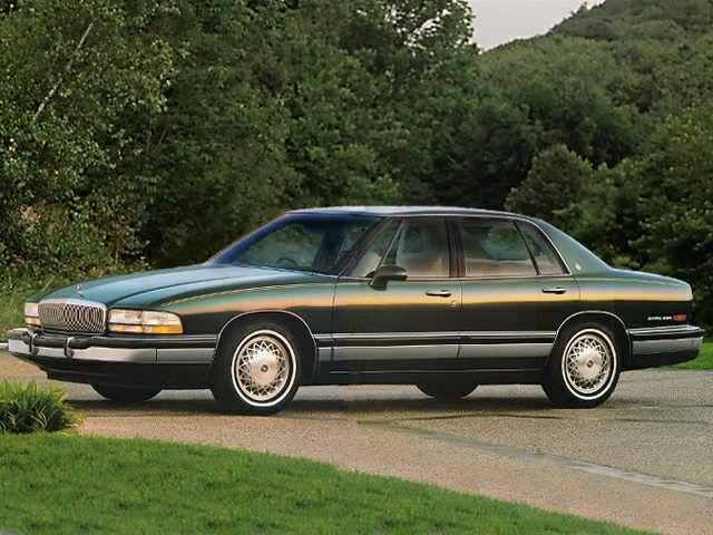 1992 Buick Park Avenue Ultra Sedan for sale in Bluffton for $2,999 with 143,100 miles.