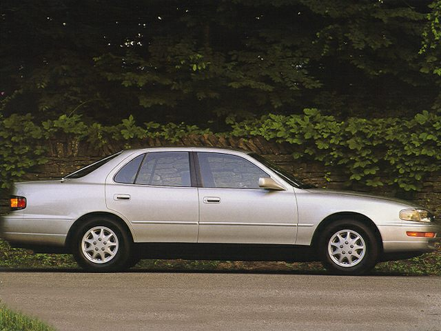 1994 Toyota Camry XLE Sedan for sale in Douglasville for $2,985 with 142,097 miles
