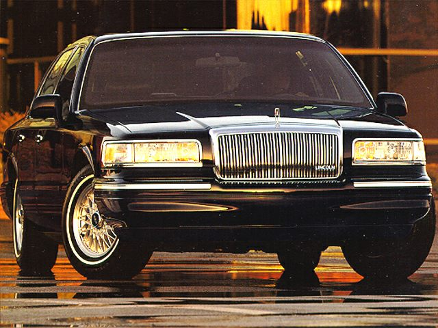 1995 Lincoln Town Car Signature Sedan for sale in Orrville for $0 with 81,272 miles