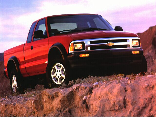 1996 Chevrolet S-10 Regular Cab Pickup for sale in Greer for $3,995 with 122,081 miles.
