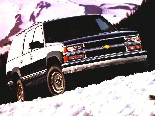 1996 Chevrolet Suburban 2500 SUV for sale in Arlington for $5,995 with 87,153 miles.