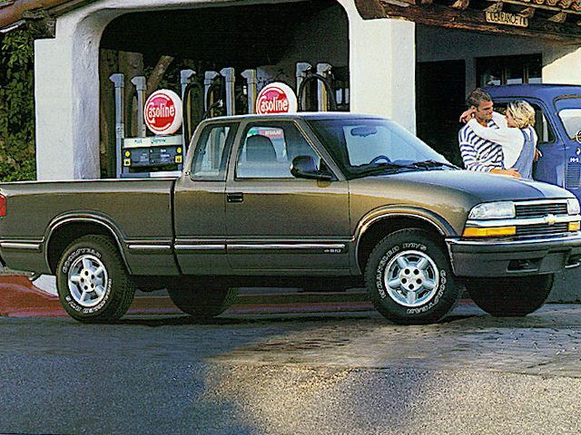 1999 Chevrolet S-10 LS Extended Cab Extended Cab Pickup for sale in New Philadelphia for $3,975 with 158,714 miles