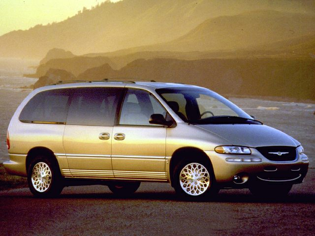 1999 Chrysler Town & Country LX Minivan for sale in Lawton for $3,977 with 73,337 miles.