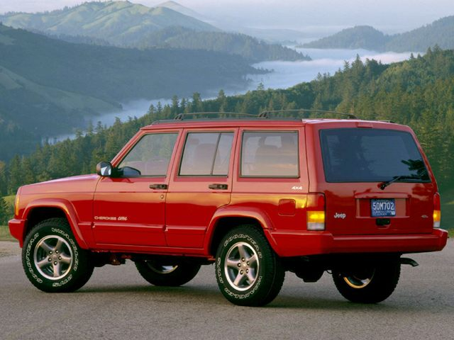 1999 Jeep Cherokee Classic 4WD SUV for sale in Attleboro for $2,995 with 183,989 miles