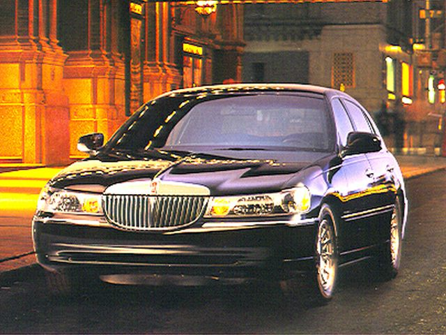 1999 Lincoln Town Car Executive Sedan for sale in Jemison for $3,250 with 195,273 miles
