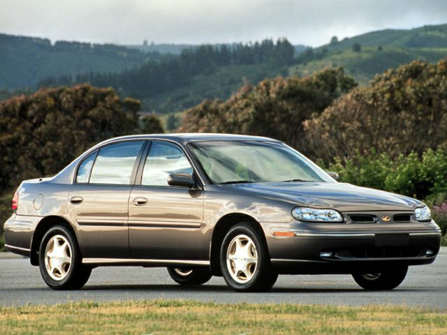 1999 Oldsmobile Cutlass GLS Sedan for sale in Portland for $4,990 with 80,004 miles.