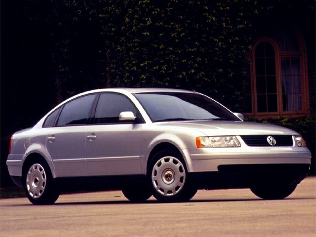 1999 Volkswagen Passat GLS Sedan for sale in Bridgeview for $1,850 with 182,128 miles.