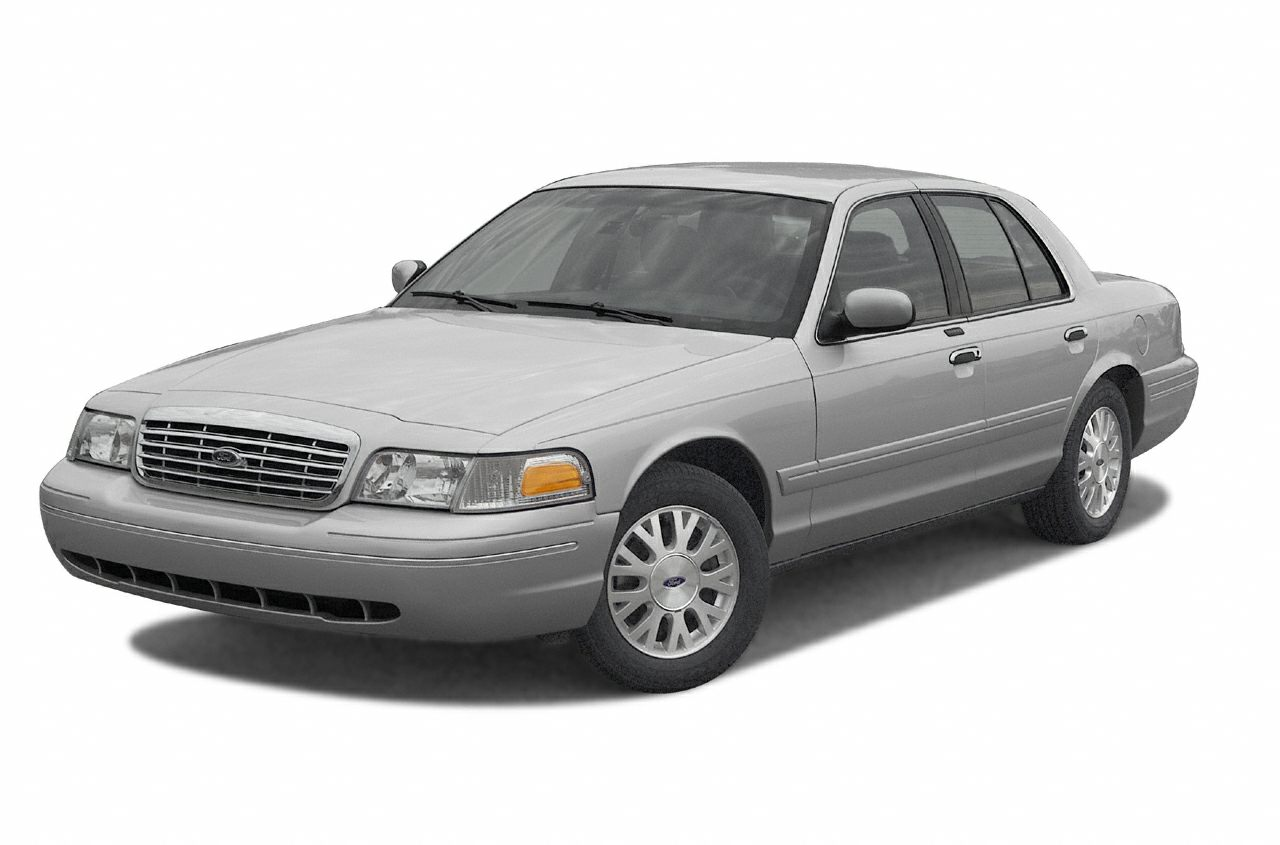 2003 Ford Crown Victoria LX Sedan for sale in Ocoee for $5,999 with 97,713 miles.