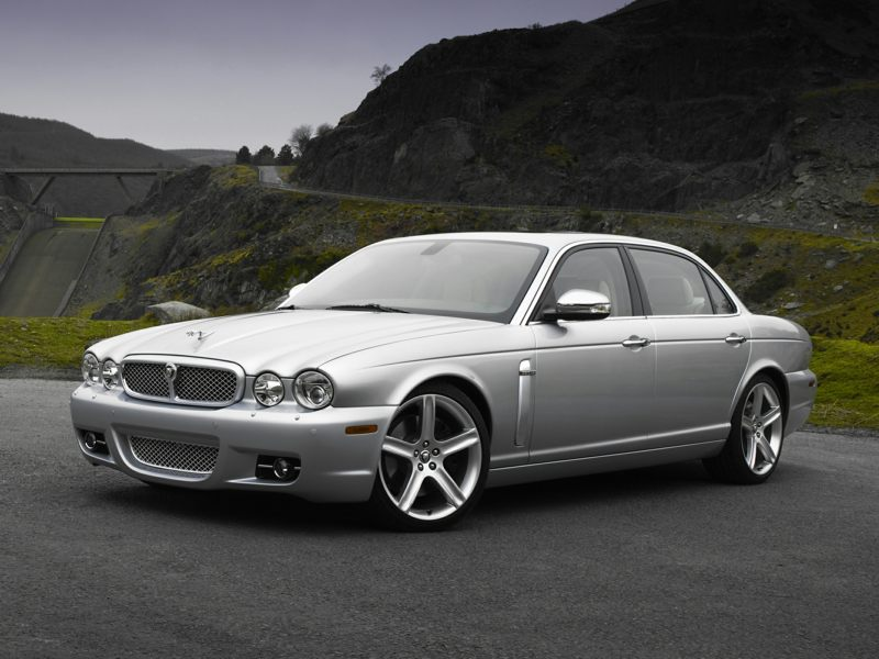 jaguar xj8 sedan models price specs reviews. Black Bedroom Furniture Sets. Home Design Ideas
