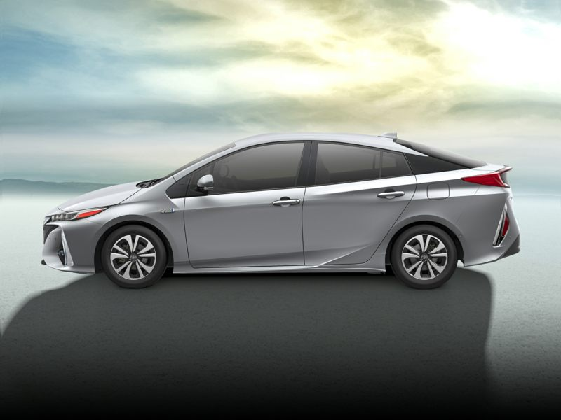2017 toyota prius prime reviews specs and prices. Black Bedroom Furniture Sets. Home Design Ideas