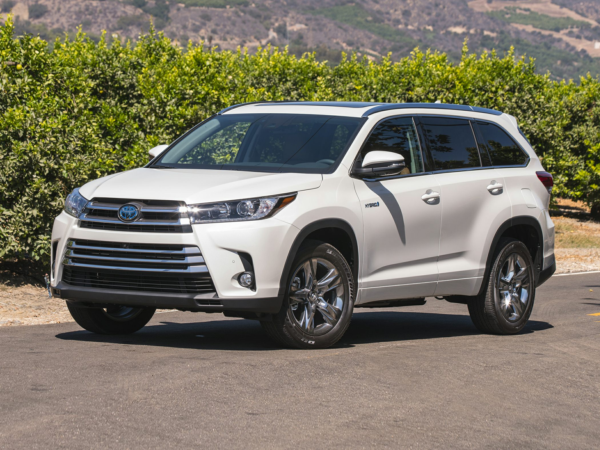 2017 Toyota Highlander Hybrid Reviews Specs And Prices Cars Com